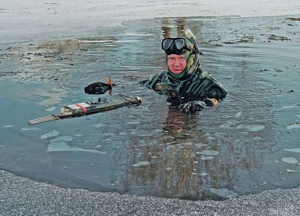 налим видео подводное